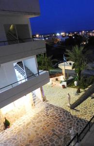 Farkia Exclusive Studios, Apartments  Faliraki - big - 71