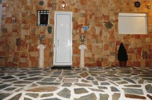 Farkia Exclusive Studios, Apartments  Faliraki - big - 72