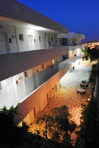 Farkia Exclusive Studios, Apartments  Faliraki - big - 56
