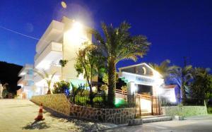 Farkia Exclusive Studios, Apartments  Faliraki - big - 1