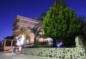 Farkia Exclusive Studios, Apartments  Faliraki - big - 54