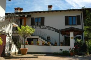 Hotel Sonenga, Отели  Менаджо - big - 66