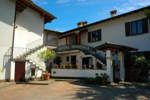 Hotel Sonenga, Отели  Менаджо - big - 65