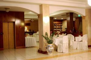 Hotel Ristorante Donato, Hotels  Calvizzano - big - 68