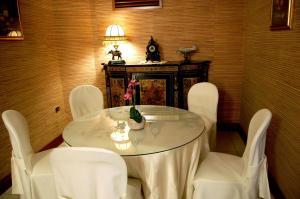 Hotel Ristorante Donato, Hotels  Calvizzano - big - 69
