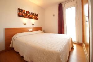 Aparthotel Arenal, Residence  Pals - big - 12