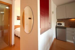 Aparthotel Arenal, Residence  Pals - big - 4