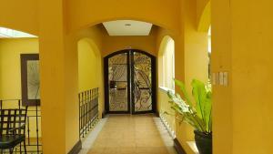 Chateau Elysee Condo Unit - Vendome, Apartmanok  Manila - big - 22