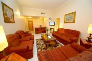 Nejoum Al Emarat, Отели  Шарджа - big - 12