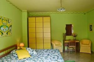 I Colori dell'Arcobaleno, Bed and breakfasts  Santo Stefano di Camastra - big - 14