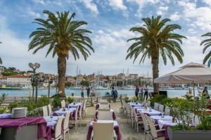 Villa Kudelik - Stone Story, Bed and breakfasts  Trogir - big - 47