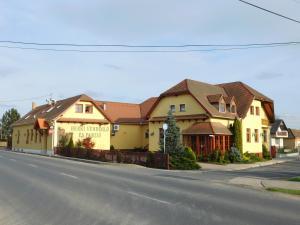 Berki Vendéglo és Hotel