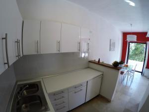 Sunny Apartments, Апартаменты  Омиш - big - 20