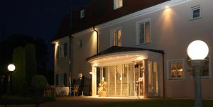 Hotel Villa Seeschau - Adults only, Hotely  Meersburg - big - 52