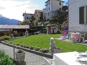 Alla Spiaggia, Apartments  Pianello Del Lario - big - 1