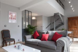 Apartment Rue Neuve with Elevator, Apartmány  Bordeaux - big - 1