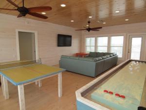 Ten-Bedroom Holiday Home