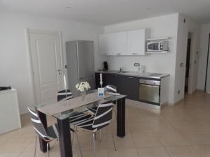 Villa Angelina Jardin, Апартаменты  Гримо - big - 15