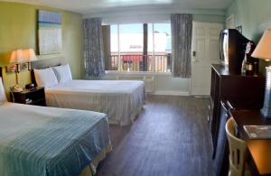 Double Room with Two Double Beds and Hotel View
