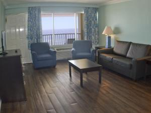 One-Bedroom Suite with Gulf View