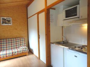 Camping La Cascade, Шале  Le Bourg-d'Oisans - big - 4