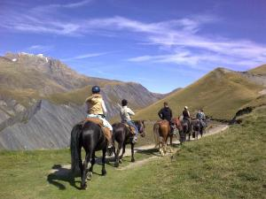 Camping La Cascade, Alpesi faházak  Le Bourg-d'Oisans - big - 24