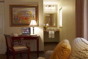 Suite with Two Double Beds with Fireplace - Non smoking