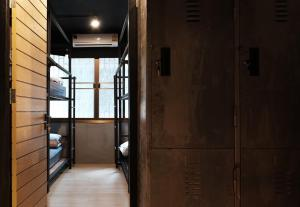 Bed in 8-Bed Mixed Dormitory Room - Type D