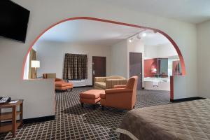 Quality Inn Commerce, Hotely  Commerce - big - 20