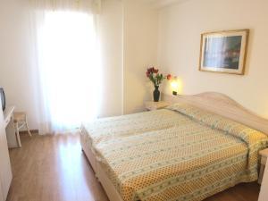 Hotel Zanella, Hotely  Nago-Torbole - big - 24