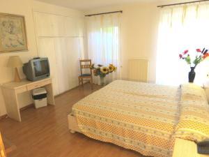 Hotel Zanella, Hotely  Nago-Torbole - big - 17