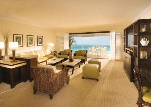 One-Bedroom King Suite with Gulf View