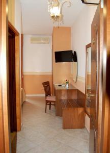 Hotel Ristorante Donato, Hotel  Calvizzano - big - 37