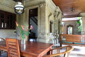 Villa Bhuana Alit, Гостевые дома  Убуд - big - 51