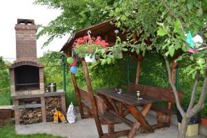 Happy Place, Dovolenkové domy  Domneşti - big - 80