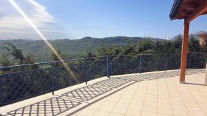 Villa Panoramica Belvedere, Apartmanok  Scontrone - big - 15