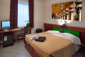 Hotel Il Maglio, Отели  Имола - big - 25