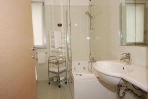 Residence & Suites Solaf, Aparthotely  Bonate di Sopra - big - 24