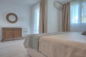 Hotel Adrović, Hotely  Sveti Stefan - big - 56
