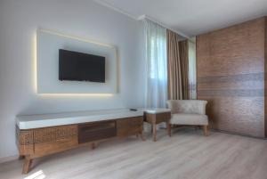 Hotel Adrović, Hotely  Sveti Stefan - big - 27