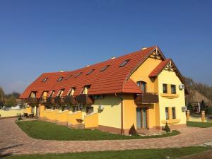 Magnólia Apartman, Ferienwohnungen  Gyula - big - 15