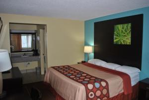 Super 8 Tulsa, Hotels  Tulsa - big - 5