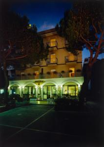 Hotel Tonti, Hotels  Misano Adriatico - big - 35