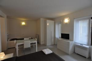 BB Hotels Aparthotel Navigli, Apartmánové hotely  Miláno - big - 37