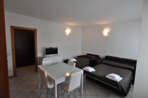 BB Hotels Aparthotel Navigli, Apartmánové hotely  Miláno - big - 39