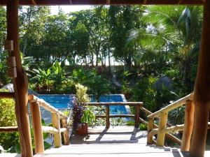 Deluxe Triple Poolside Room with Ocean View