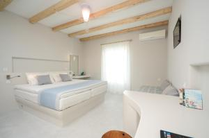 Antony Suites (Adults Only), Apartmánové hotely  Naxos Chora - big - 3