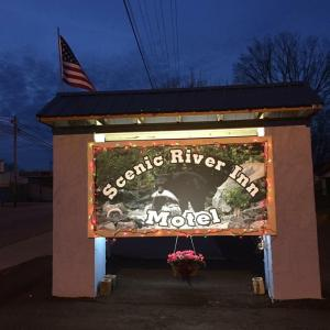 Scenic River Inn Motel, Motelek  Wartburg - big - 18