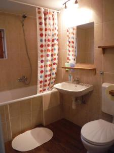 Small House Apartment, Affittacamere  Kerepes - big - 9