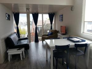 Sea City Family Apartment